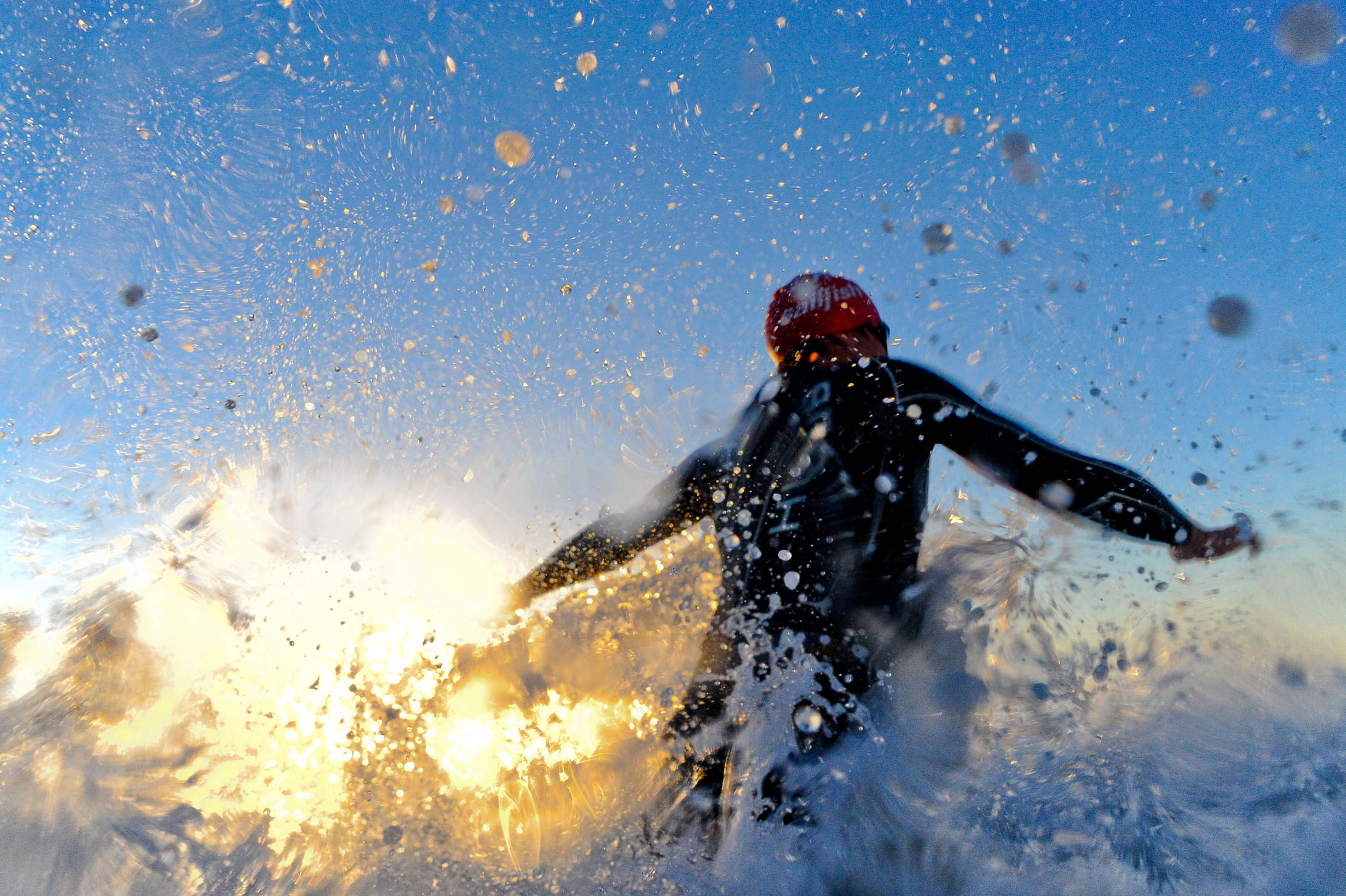 Many triathletes experience a fear of the open water. There are a number of things you can do to help prepare yourself and calm your nerves on race morning.